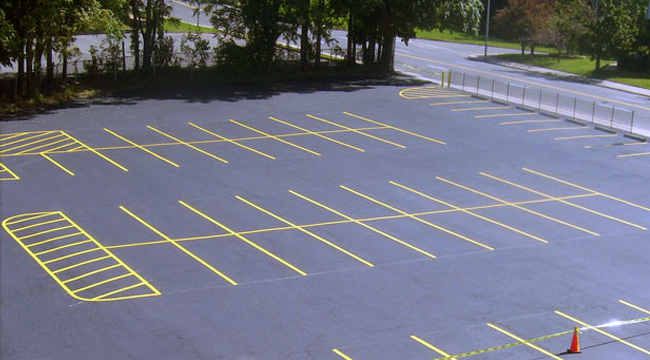 parking lot line striping services